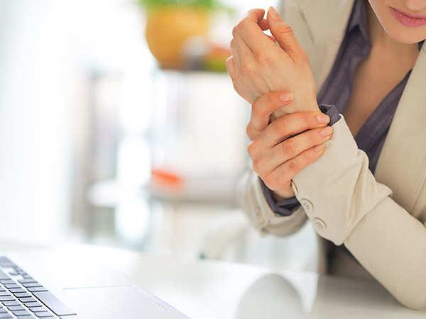 درد دست چپ و استرس