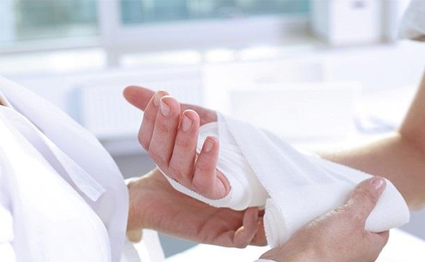 متخصص شکستگی دست
