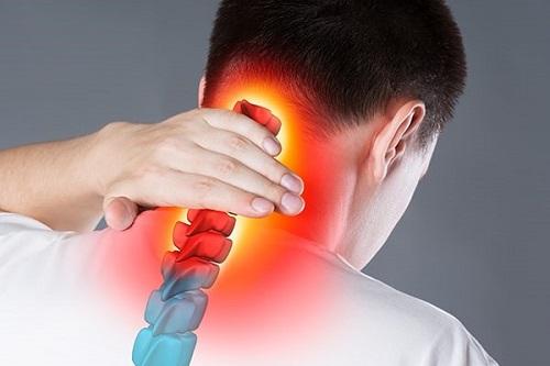 برای گردن درد به چه متخصصی مراجعه کنیم؟